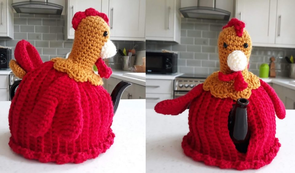 Red Rooster Tea Cozy