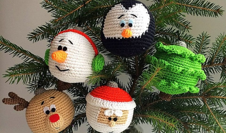 Christmas Ornament Set Free Crochet Pattern