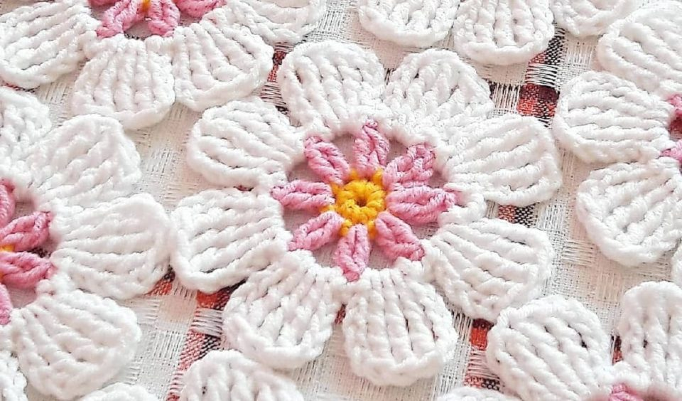 Easy Flower Free Crochet Pattern